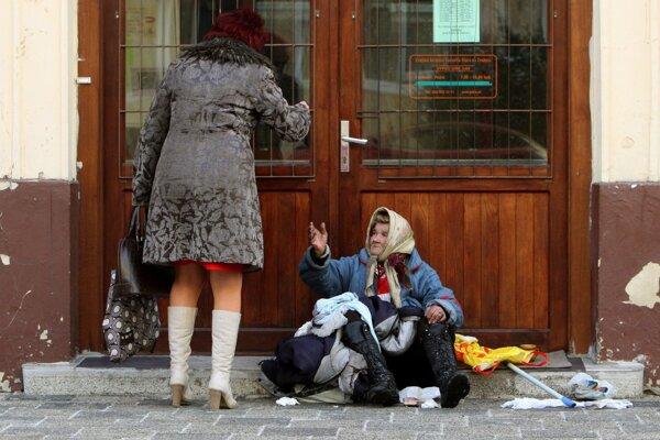 Pre ľudí bez domova je zimné obdobie náročné.