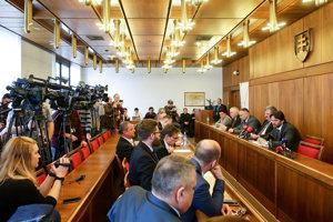 Rokovanie špeciálneho výboru s Robertom Kaliňákom.