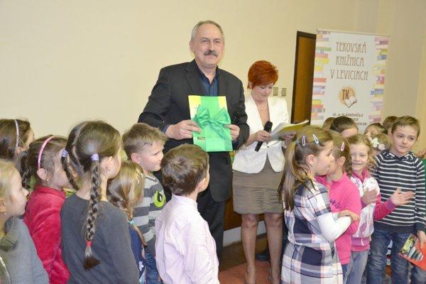 Novú knihu predstavili na pôde Tekovskej knižnice.