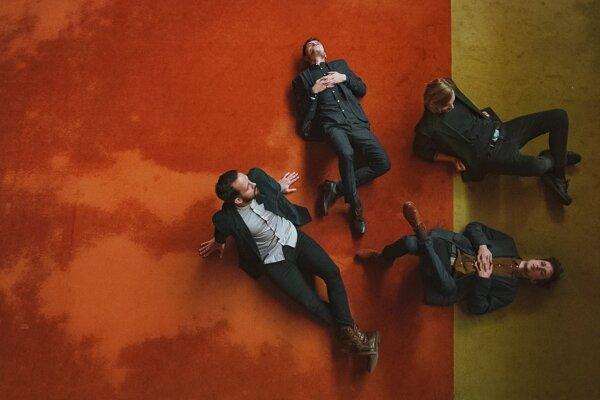 Na pilotnom ročníku Sharpe sa zo Slovenska predstaví kapela Says v zložení: Dominik Kitko, Tomáš Hríbik, Roman Hríbik a Lukáš Hlaváč.