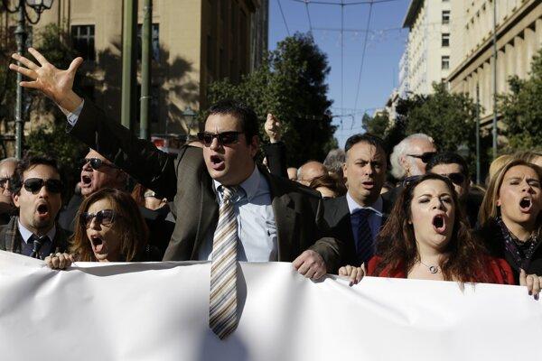 Nespokojní právnici protestovali v uliciach Atén.