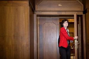 16. marec 2012. Podpredsedníčka SDKÚ-DS Lucia Žitňanská po stretnutí lídrov strán, ktoré boli zvolené do NR SR v parlamentných voľbách 2012.