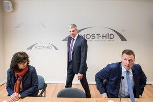 12. marec 2018. Predseda strany Most Híd Béla Bugár a podpredsedovia Lucia Žitňanská a Gábor Gál pred rokovaním republikovej rady strany.