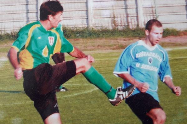 František Bernáth vzelenom drese počas svojho pôsobenia vZemnom – VI. liga ObFZ Nové Zámky.