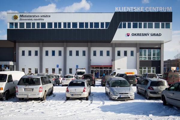 Klientske centrum v Bratislave sídli v budove starej Ikey na pomedzí Nového Mesta a Ružinova.