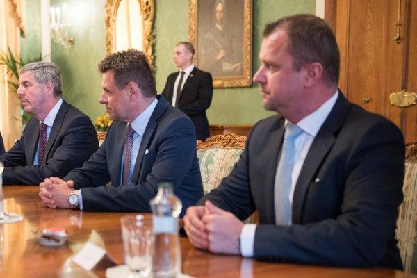 Členovia strany Most-Híd, sprava Andrej Hrnčiar, László Sólymos a Béla Bugár.
