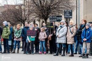 Pezinok - postavme sa za slušné Slovensko