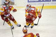 Hokejisti Trenčína v úvodných dvoch zápasoch zdolali Poprad.
