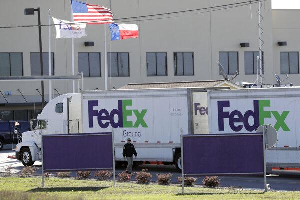 Bomba vybuchla v stredisku zásielkovej spoločnosti FedEx.