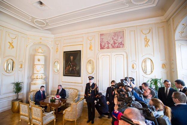 Peter Pellegrini odovzdal Andrejovi Kiskovi nový návrh na členov vlády.