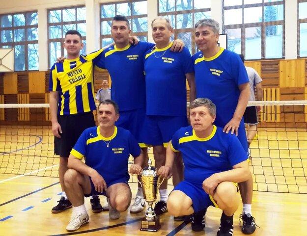 Nohejbalisti Vrábeľ vyhrali druhú ligu.