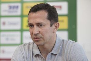 Stredopoliar Miroslav Viazanko.