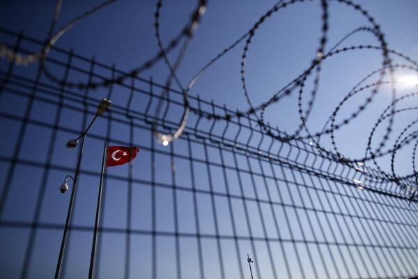 Grécka hranica s Tureckom sa chráni ťažko.