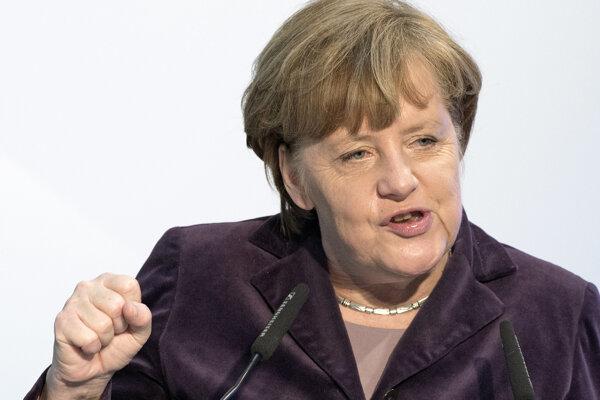 Takmer 40 percent Nemcov žiada Merkelovej odstúpenie.