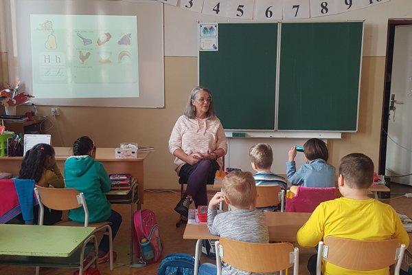 Spisovateľka v škole, v ktorej 26 rokov učila.