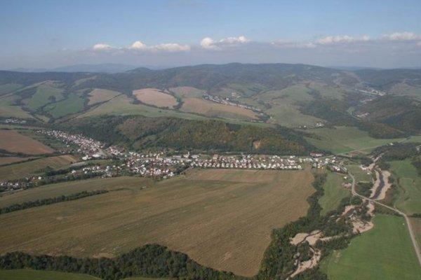 Obec Malcov.