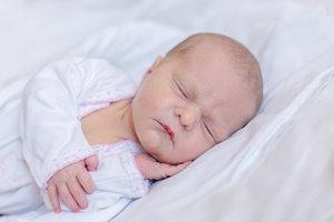 Alexandra Barla (3020 g, 48 cm) sa narodila 19. marca  Natalii a Catalinovi z Nového Mesta nad Váhom. Doma sestričku čaká štvorročná Anastasia.