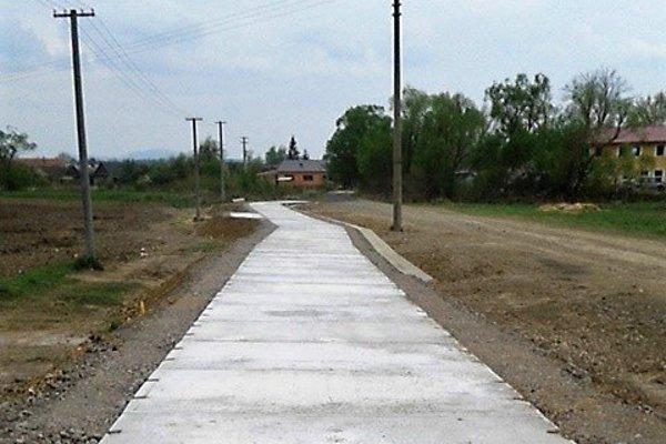 Nová panelová cesta v Pincinej.