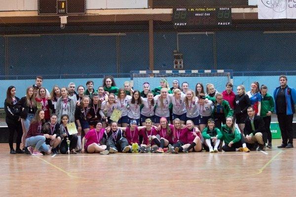 Spoločná fotografia zúčastnených družstiev na turnaji Green Cup 2018.