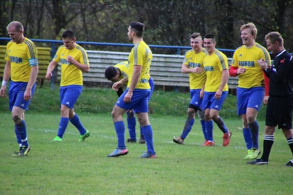 Futbalisti Belej narazia v derby regiónov na mužstvo Krásna nad Kysucou.