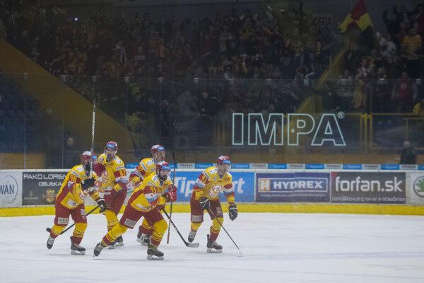 Hokejisti Trenčína vyrovnali stav semifinálovej série proti Zvolenu.