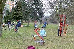 Zariadenia na cvičenia prilákali malých aj dospelých obyvateľov Tlmáč.