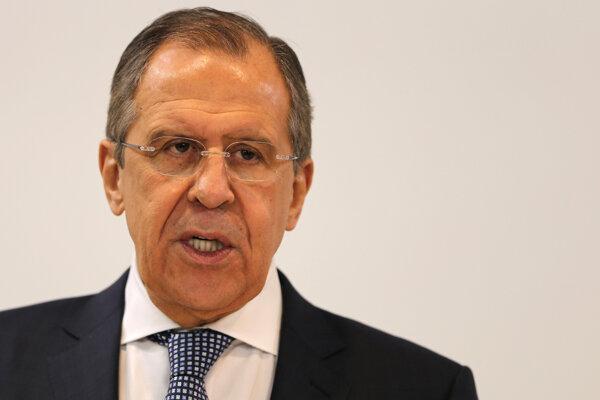 Lavrov nepovažuje za potrebné zastaviť nálety.