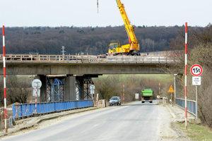 Dopravné obmedzenia budú súvisieť aj so stavbou diaľnice pri Budimíre.