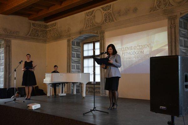 Predsedníčka ŽSK Erika Jurinová pri slávnostnom príhovore.