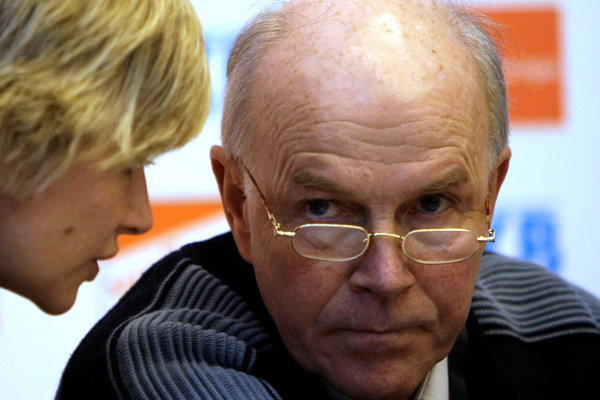 O Andersovi Bessebergovi, ktorý je na čele IBU od jej založenia v roku 1993, nie sú informácie.