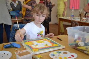 Mirka Vargovičová (7) bola najmladšou účastníčkou tvorivej dielne.
