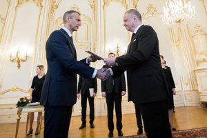 Prezident Andrej Kiska menuje Richarda Rašiho na post vicepremiéra.