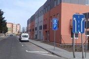Ulica Gábora Steinera, tesne pred križovatkou so Zelenečskou.