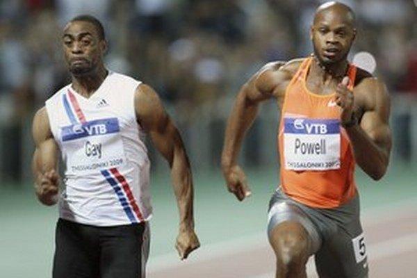 Šprintéri Tyson Gay (vľavo) a Jamajčan Asafa Powell.
