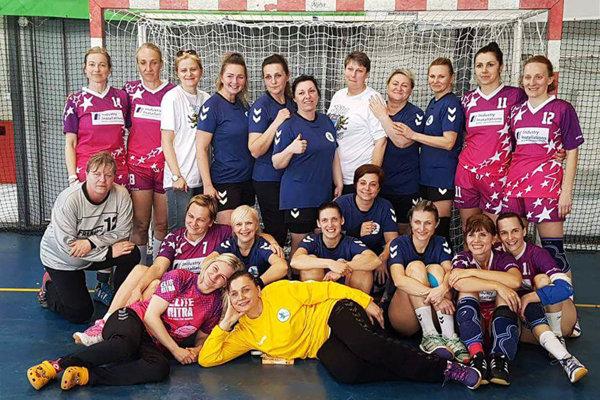 Spoločná snímka oboch nitrianskych tímov na turnaji v Stupave.