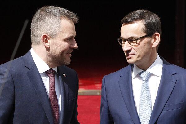 Predseda vlády Peter Pellegrini s poľským premiérom Mateuszom Morawieckým vo Varšave.