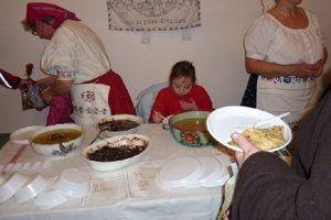 Polievka jucha a kaša grís sa varievajú na Gemeri dodnes.