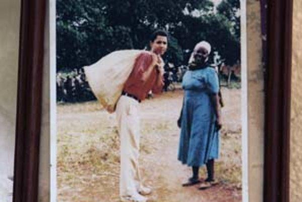 Barack Obama je prvým Afroameričanom, ktorý vďaka svojmu pôvodu môže spraviť krok dozadu.