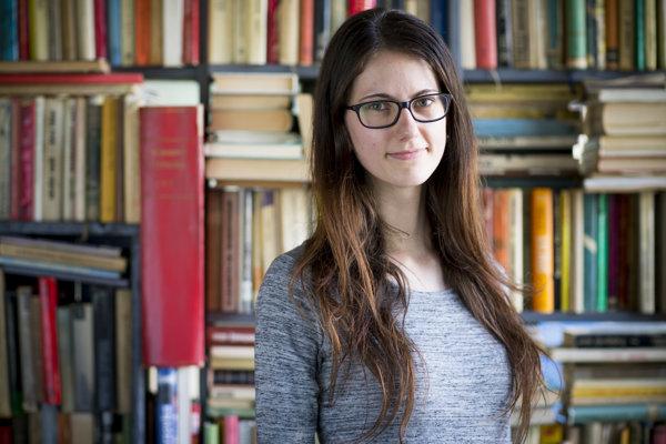 Veronika Bruncková (22) je študentkou architektúry v Bratislave. Popri štúdiu pracuje v ateliéroch a venuje sa vzdelávaniu detí v Hnutí kresťanských spoločenstiev detí.