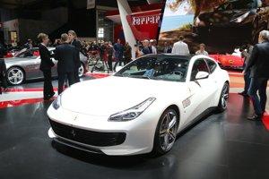 Ferrari GTC4 Lusso, jediný model talianskej automobilky, ktorý ešte nie je úplne vypredaný,