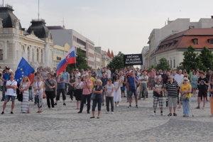 Na námestí v Nitre sa zišli vyše tri stovky ľudí.