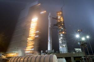 Nosná raketa Atlas, ktorá má na palube robotickú sondu InSight.