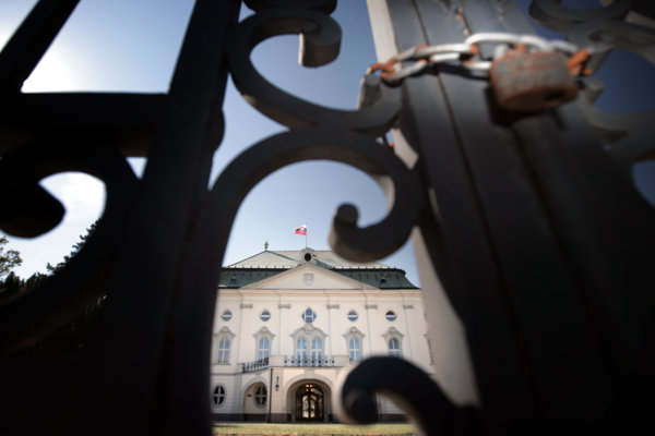Úrad vlády navrhuje, aby sa v mimoriadnych situáciách tvorili zákony za zatvorenými dverami a bez verejnosti.