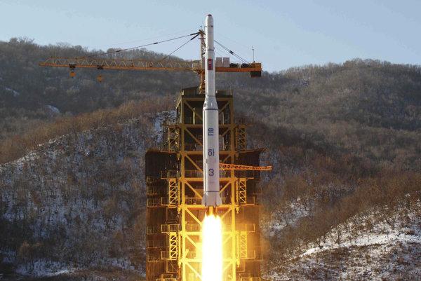 V roku 2012 vystrelenie satelitu nevyšlo, v nedeľu to Severná Kórea skúsila znova.