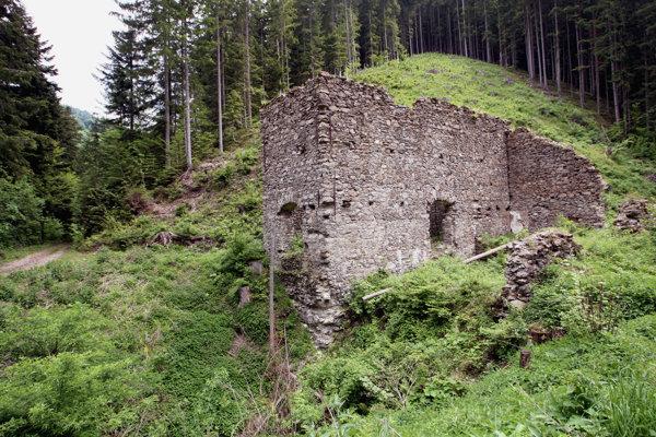 Pozostatky šachty Terézia patria k jednej zo zaujímavostí Starých Hôr.