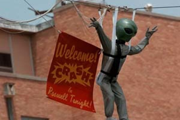 """Na výročie """"invázie mimozemšťanov"""" sa v Roswelli pravidelne konajú akcie a výstavy."""