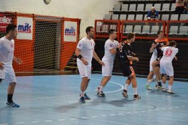 Pov. Bystrica (v bielom) v tejto sezóna zdolala Košice tretíkrát.