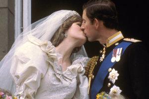 Princ Charles a jeho prvá svadba s Dianou.