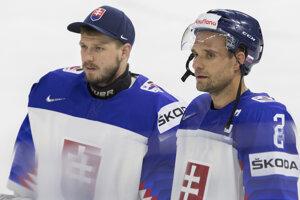 Andreja Sekeru (vľavo) mrzí najmä výkon proti Švajčiarsku.