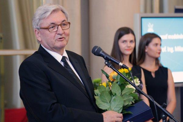 Profesor Milan Dado.